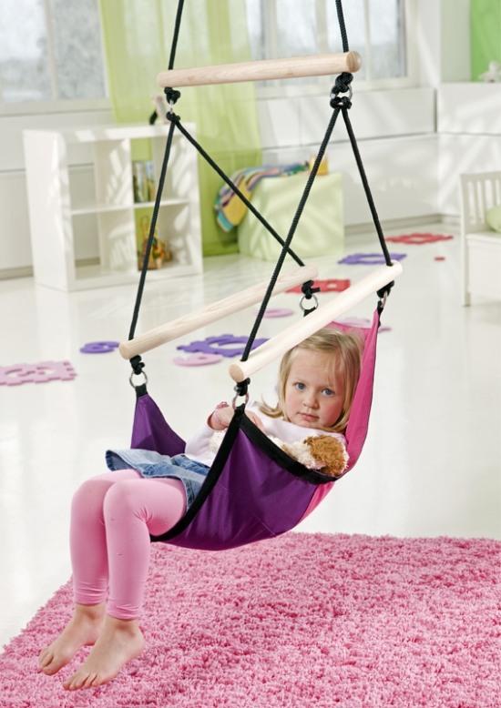 Závěsné houpací křeslo pro děti.